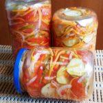 Салат из помидоров, огурцов и болгарского перца на зиму