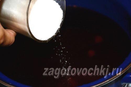добавить сахар в компот