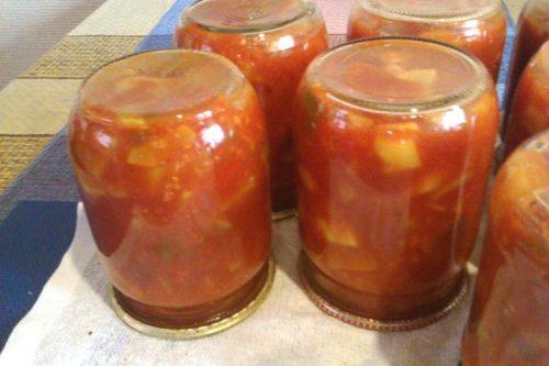 острый салат из кабачков с томатом на зиму
