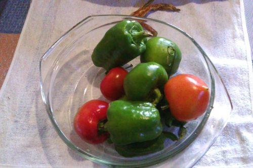 сладкий перец и помидоры