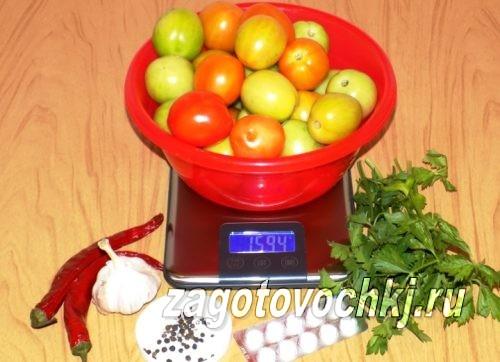 бурые помидоры и зелень