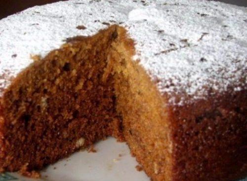 Пирог с вареньем на скорую руку в мультиварке на кефире