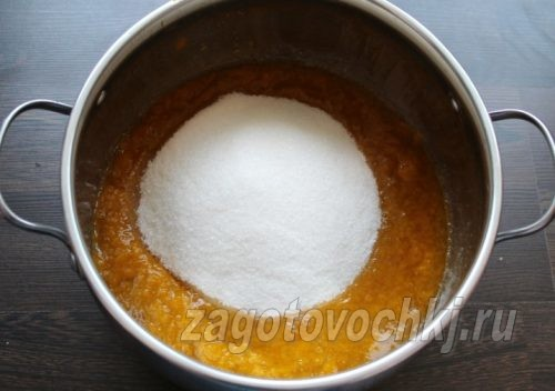 добавить сахар к алыче