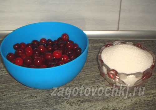 вишни и сахар