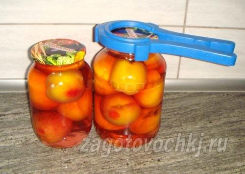 закрыть персики крышками