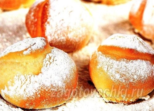 дрожжевые булочки с сахарной пудрой