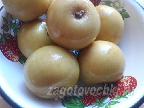 Квашеные яблоки на рассоле из ржаного хлеба