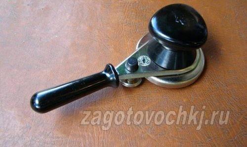 Полуавтоматический закаточный ключ
