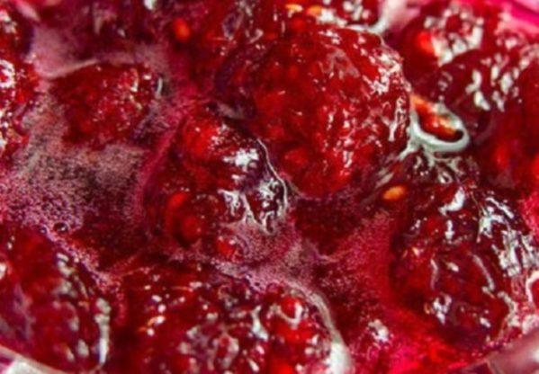 Малиновое варенье с цельными ягодами