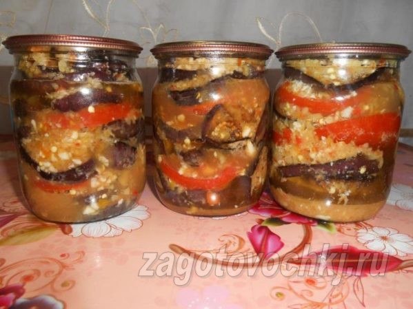 Острые баклажаны с помидорами слоями на зиму