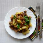 жареная утка с картофелем и грибами